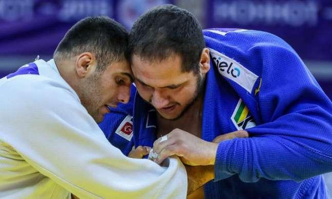 Rafael Silva (à direita) não disputará o Pan de Lima. Objetivo é recuperação para o Mundial (Foto: Divulgação)