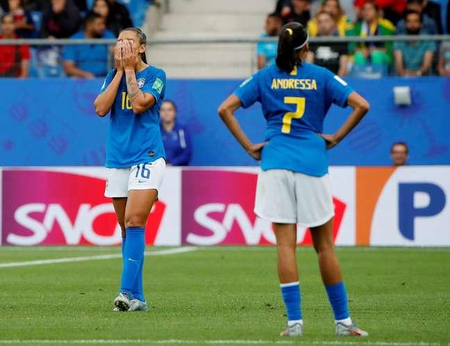 Bia Zaneratto e Andressa Alves lamentam a derrota do Brasil para a Austrália
