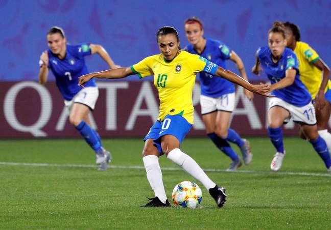 Marta durante partida da seleção brasileira contra a Itália pela Copa do Mundo de futebol feminino 18/06/2019 REUTERS/Phil Noble
