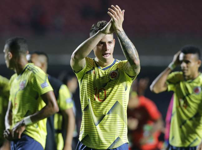 James Rodríguez, da Colômbia, comemora o gol marcado por Zapata diante do Catar, durante partida válida pela segunda rodada do Grupo B da Copa América 2019, realizada no Estádio Cícero Pompeu de Toledo (Morumbi), na zona sul da capital paulista, nesta quarta-feira (19). A Colômbia venceu por 1 a 0.