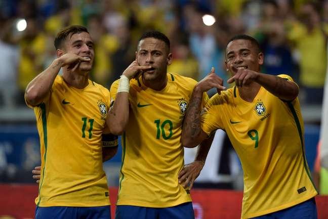 Neymar, jogador da Seleção Brasileira de futebol, comemora seu gol durante partida contra a Argentina, válida pela décima primeira rodada das Eliminatórias Sul-americanas 2016 para a Copa do Mundo 2018, na Rússia.