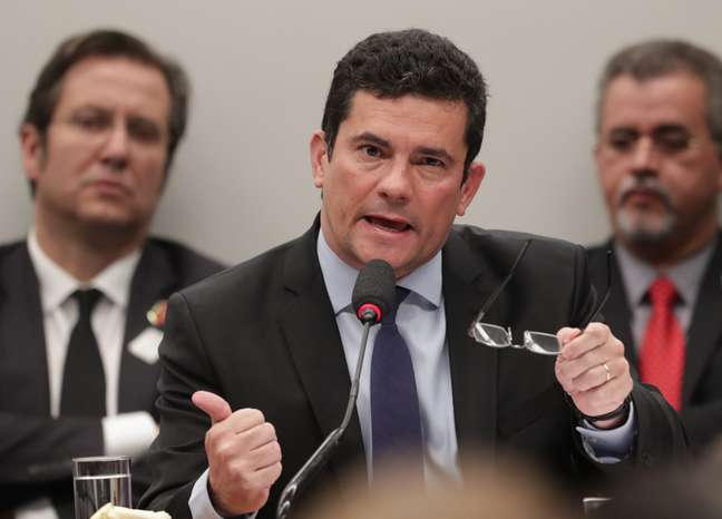 Ministro da Justiça e Segurança Pública, Sérgio Moro, responde aos questionamentos dos deputados na Comissão de Constituição e Justiça
