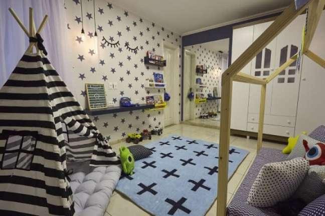 33. O uso de espelhos é também indicado em quartos montessorianos, pois auxiliam no autoconhecimento. Projeto de Andrea Bento