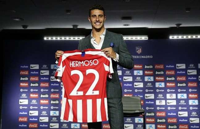 Hermoso foi revelado pelo Real Madrid, que ficou com parte do dinheiro da transferência (Foto: Reprodução)
