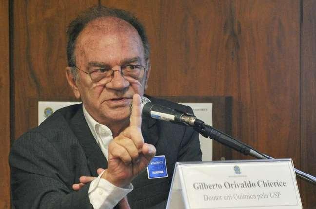 O pesquisador Gilberto Orivaldo Chierice morreu aos 75 anos