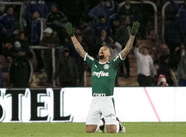 Felipe Melo marcou o primeiro gol do Palmeiras sobre o Godoy Cruz, da Argentina