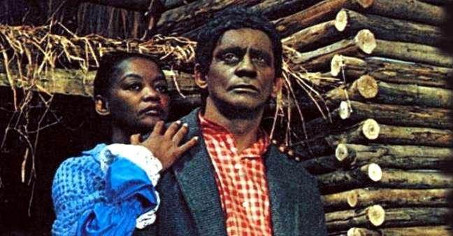 Ruth de Souza com Sérgio Cardoso em A Cabana do Pai Tomás: primeira novela com uma protagonista negra