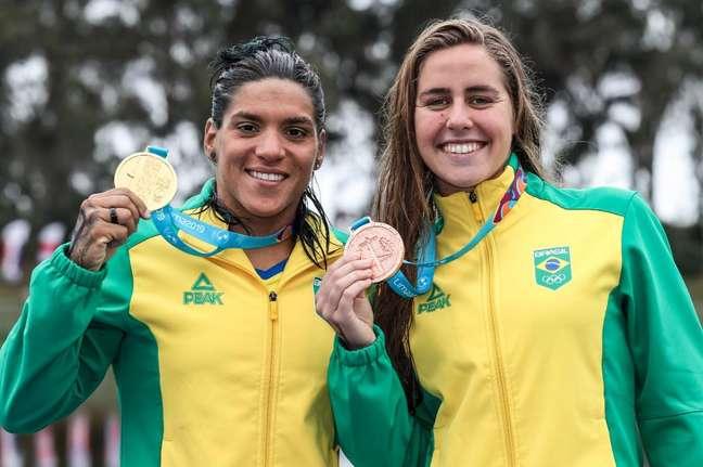 Ana Marcela Cunha e Viviane Jungblut fizeram dobradinha brasileira na maratona aquática no Pan
