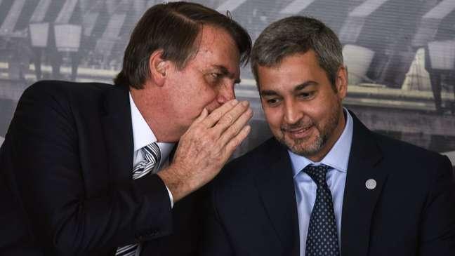 Mario Abdo Benitez e Jair Bolsonaro têm boa relação e já trocaram elogios publicamente em alguns episódios