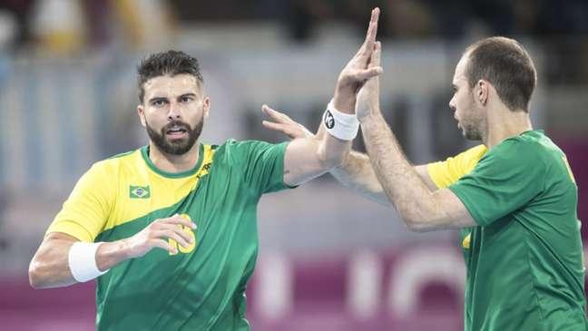 O Brasil ficou com a medalha de bronze no handebol (Foto: Jonne Roriz/COB)