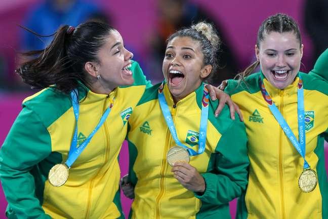 Seleção feminina de handebol foi campeã do Pan e garantiu vaga nos Jogos Olímpicos de Tóquio 2020