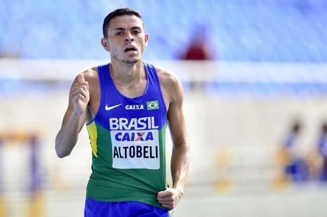 Altobeli levou a prata na prova dos 5000m masculino (Foto: Wagner Carmo/CBAt)