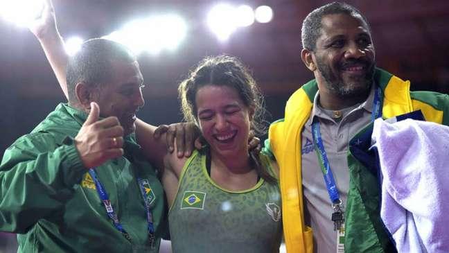 Giulia Penalber sua, mas sai com a medalha de bronze (Foto: Alexandre Loureiro/COB)