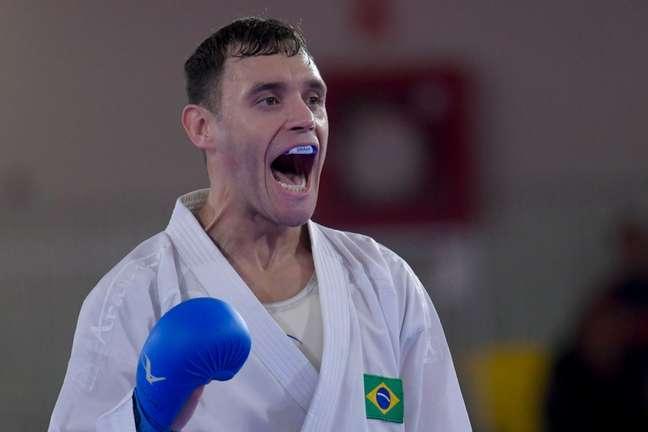 Douglas Brose foi prata na categoria até 60kg (Washington Alves/COB)