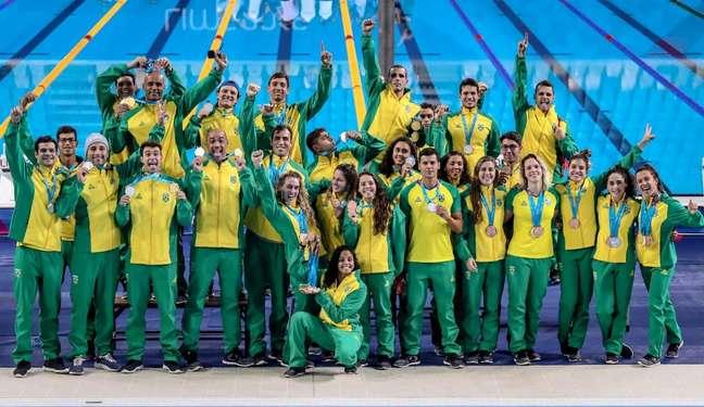Natação brasileira encerra participação no Pan com a melhor campanha da história: 30 medalhas