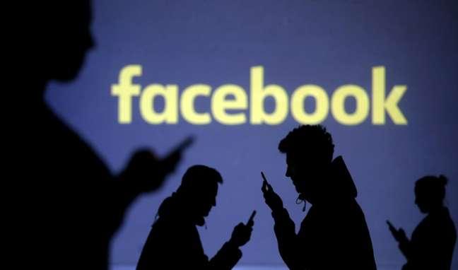 Facebook vai contratar jornalistas para fazer curadoria de notícias