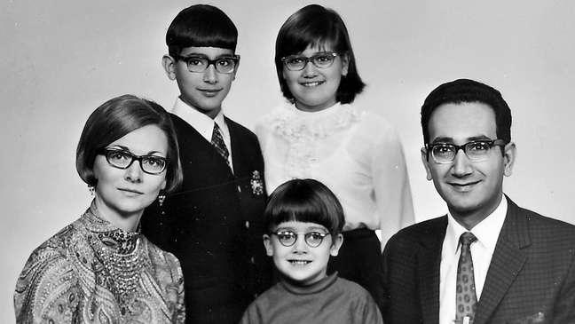 A família de Farouk Al-Kasim teve de fugir para a Noruega para garantir tratamento médico, em 1968. Na época, o Iraque dificultava a saída de funcionários do setor de Petróleo