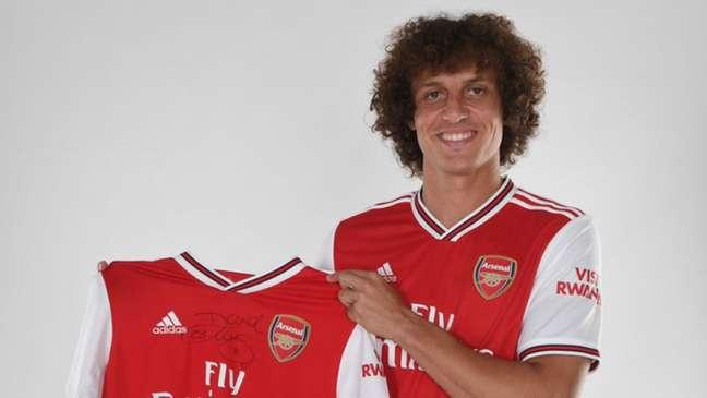 David Luiz assinou com o Arsenal no início do mês (Foto: Divulgação)