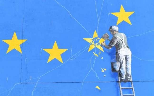 Mural de Banksy crítico ao Brexit desaparece no Reino Unido