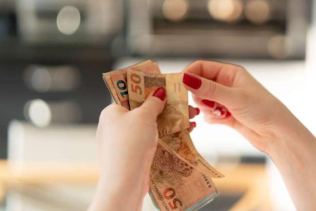 Como fica nosso dinheiro em outubro?