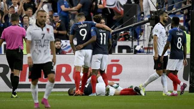 Coman e Giroud marcaram na goleada francesa contra a Albânia (AFP)