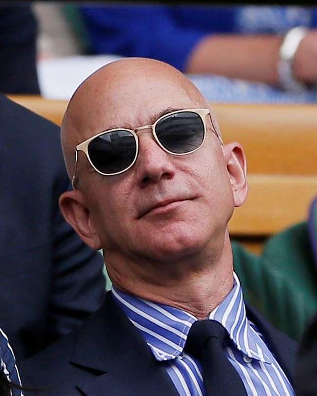 Presidente da Amazon, Jeff Bezos, assiste a torneio de tênis de Winbledon, em Londres. 14/7/2019 REUTERS/Andrew Couldridge