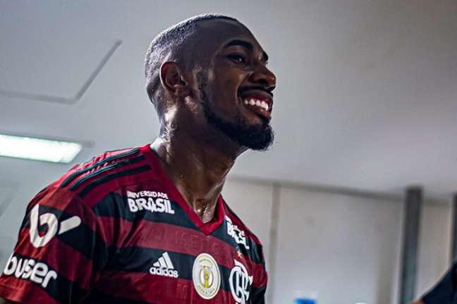Gerson chegou a 15 jogos pelo Flamengo na última noite (Foto: Marcelo Cortes / Flamengo)