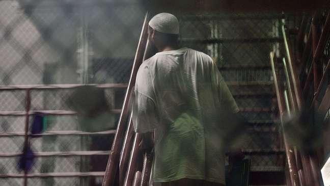 Restam apenas 40 presos no centro de detenção na base naval americana de Guantánamo, que fica numa ilha em Cuba