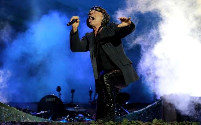 Bruce Dickinson, vocalista do Iron Maiden, canta no Rock in Rio
