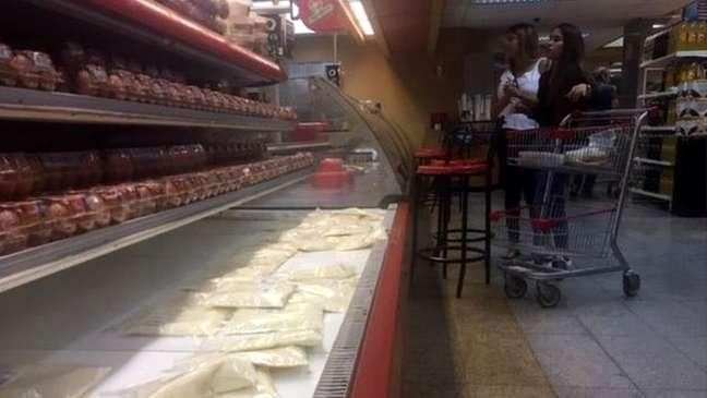 O preço de 1 quilo de queijo é quase equivalente a um salário mínimo na Venezuela