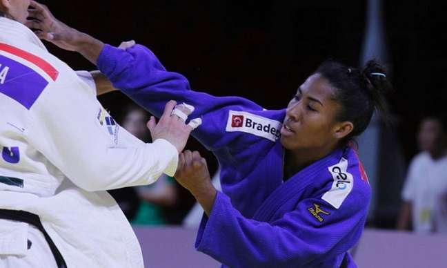 Ketleyn Quadros conquista medalha na competição (Foto: Divulgação)