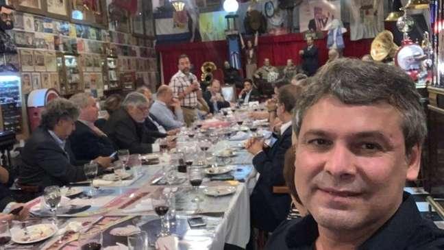 Lindbergh Farias compartilhou nas suas redes sociais fotos de ida à Argentina, viagem feita por outros políticos de esquerda