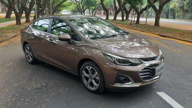 Chevrolet Cruze Premier: alto nível de conectividade e acabamento superior.