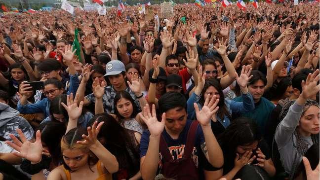 A maior marcha da história do Chile foi contra a desigualdade causada por seu modelo econômico, segundo especialistas