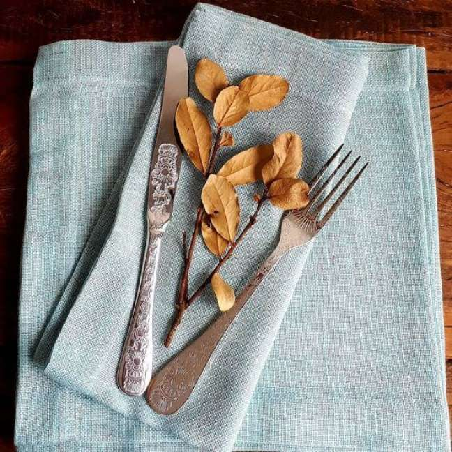 52. Guardanapo de tecido azul – Por: Pinterset