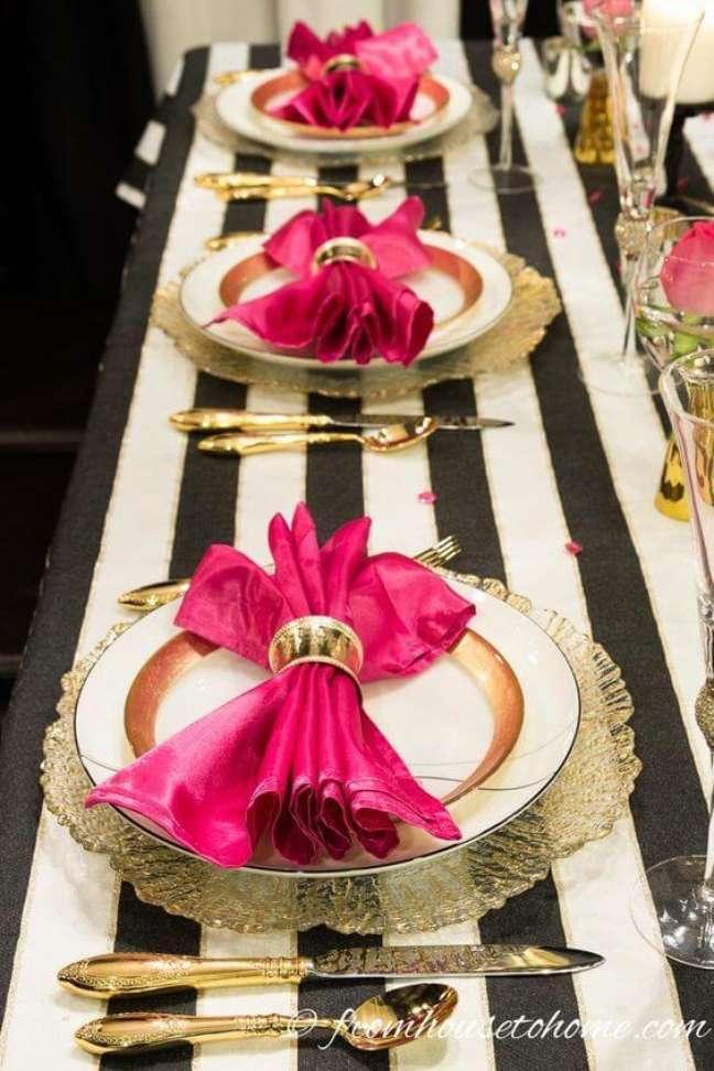 53. Guardanapo de tecido pink – Por: Psiu Noiva