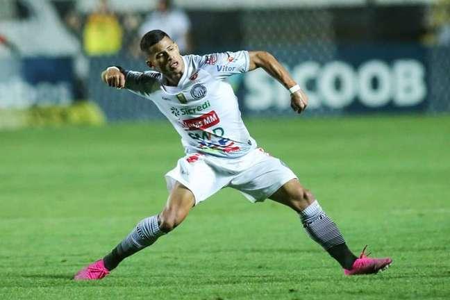 Operário venceu com gol nos acréscimos (Foto: Reprodução)