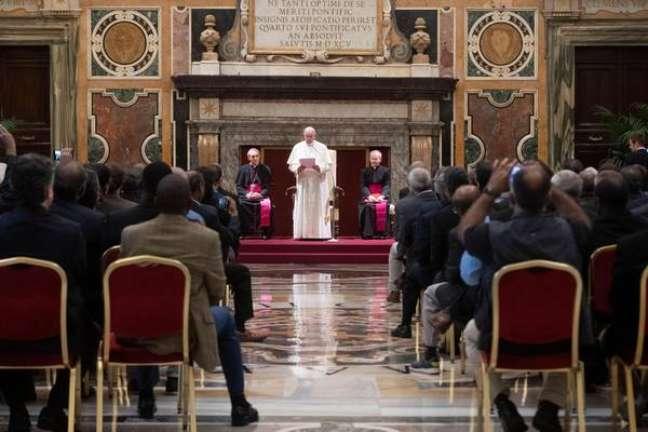 Papa Francisco durante audiência com jesuítas no Vaticano