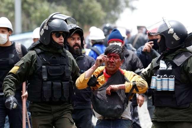 Há três semanas, a Bolívia se transformou em um grande campo de batalha entre apoiadores e opositores de Morales