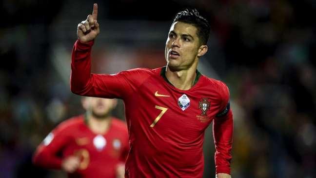 CR7 marcou três vezes e comandou a goleada (Foto: AFP)