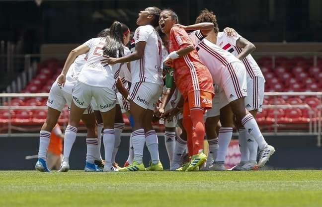 Jogadoras do São Paulo buscam reverter placar da decisão na arena rival (Foto: Miguel Schincariol/saopaulofc.net)