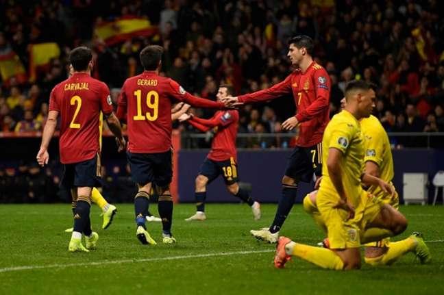 Gerard Moreno foi o destaque da partida com dois gols (Foto: AFP)