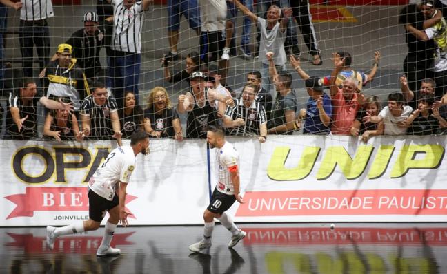 (Foto: Reprodução/ Twitter Corinthians)