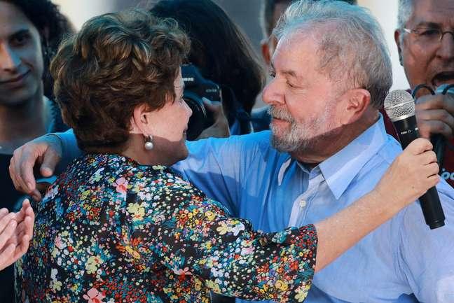 Ex-presidentes Lula e Dilma em Porto Alegre 23/01/2018 REUTERS/Diego Vara