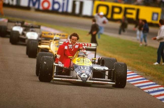 Piquet dá carona a Prost no GP da Alemanha de 1987.