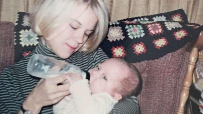 Kimberly Zieselman quando era bebê e sua mãe, em 1966