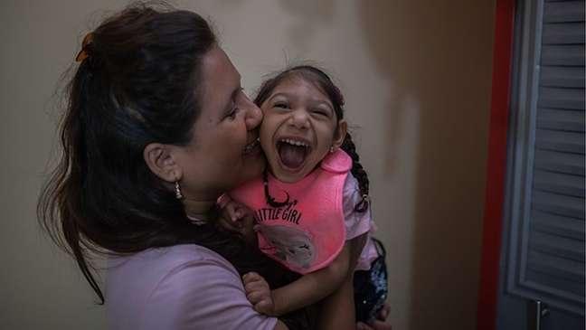 Zika é perigoso para mulheres grávidas pois pode causar microcefalia