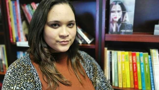 Após enfrentar difícil encruzilhada emocional, Miché Solomon optou em esperar por volta de 'mãe', Lavona