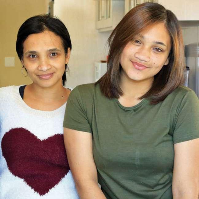 Celeste Nurse (à esq.) e sua segunda filha, Cassidy; Miché diz ter tido dificuldades para construir relacionamento com família biológica