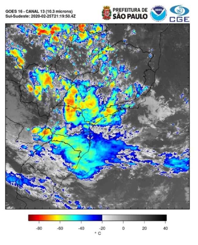 Área de instabilidade se formou entre os municípios de Cajamar e Franco da Rocha e seguiu para a Capital